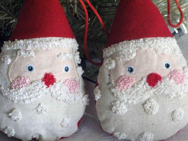 Chenille Santas