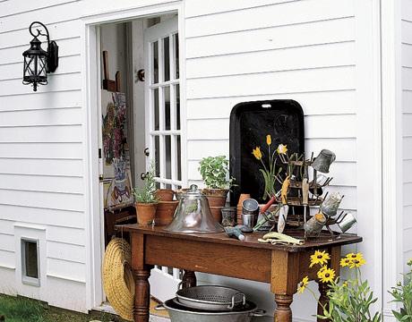 Country living potting shelf