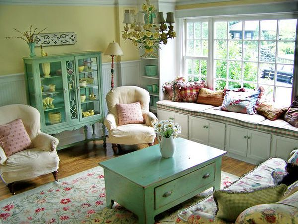 RMS_Cottage-living-room-VintageKitchen_s4x3_lg