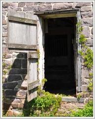 Brick dutchdoor