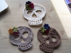 Crocheted skulls from learnsomething from me