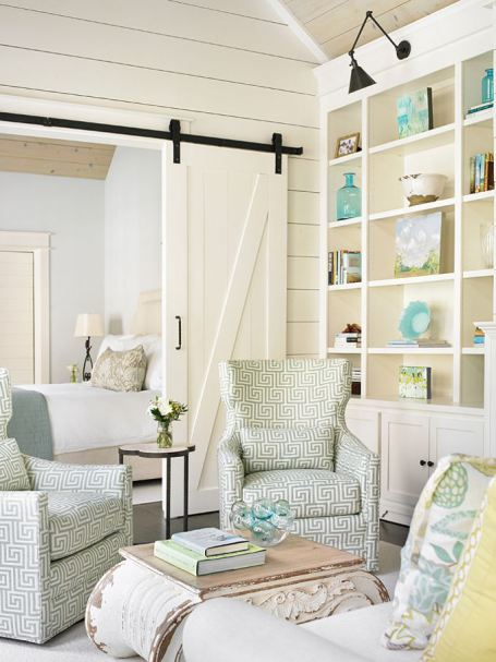 A-relaxed-beach-cottage-with-wonderful-coastal-accessories