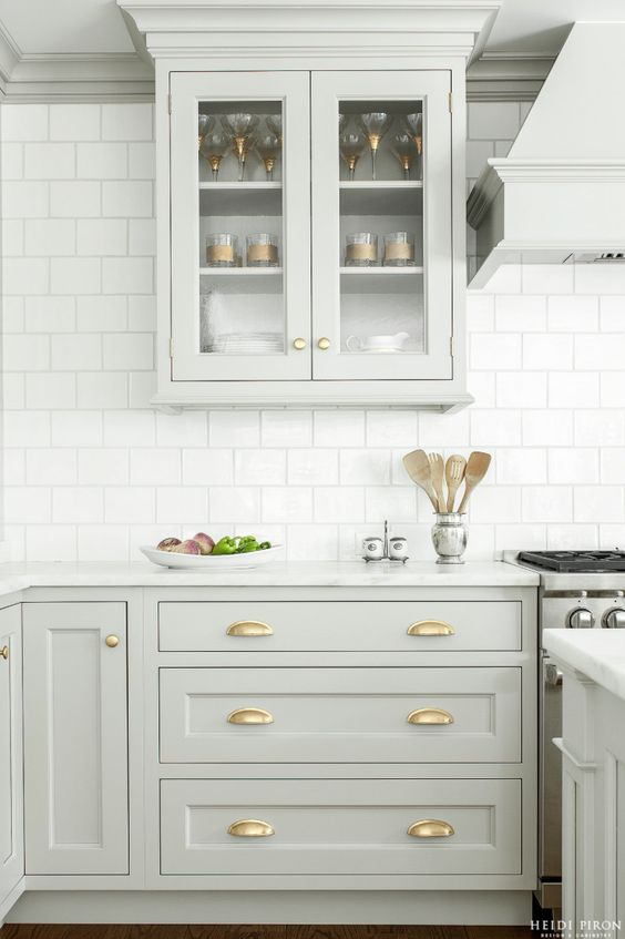 White kitchen 10