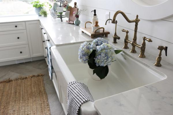 White kitchen19