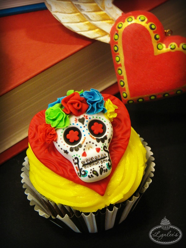 Lynnlee book of life cupcake