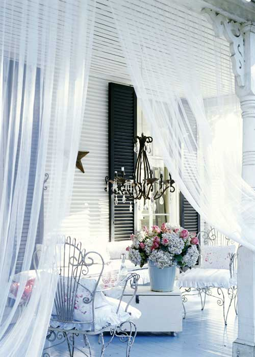Carrie Raphael's dreamy porch