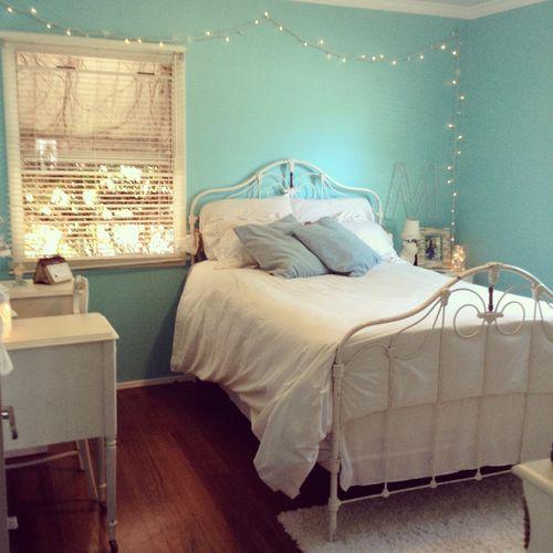MacKenzie's Blue Room