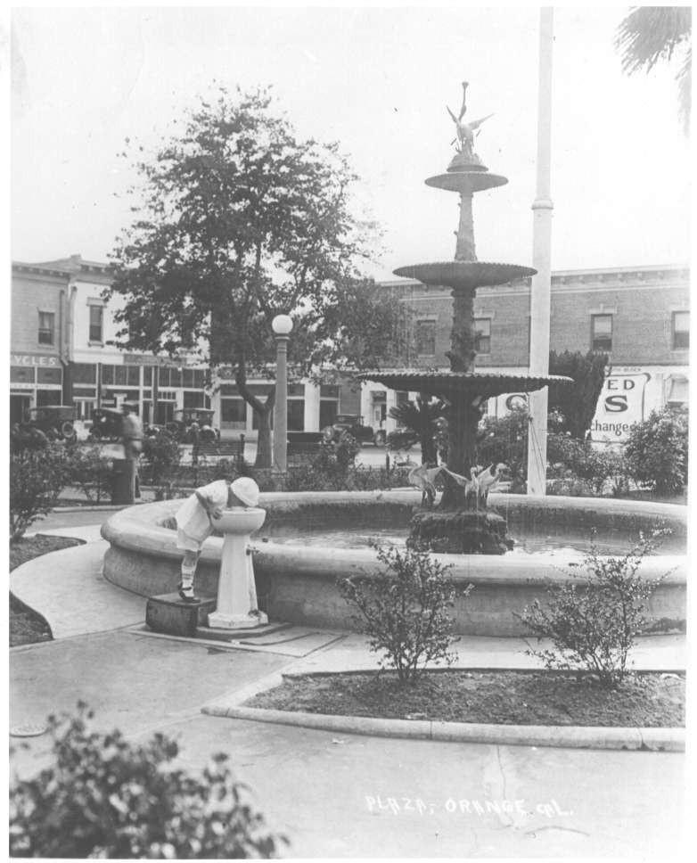 Plaza20pix