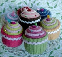 Betz_white_cupcakes