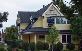 Victorian_house_in_orange_2